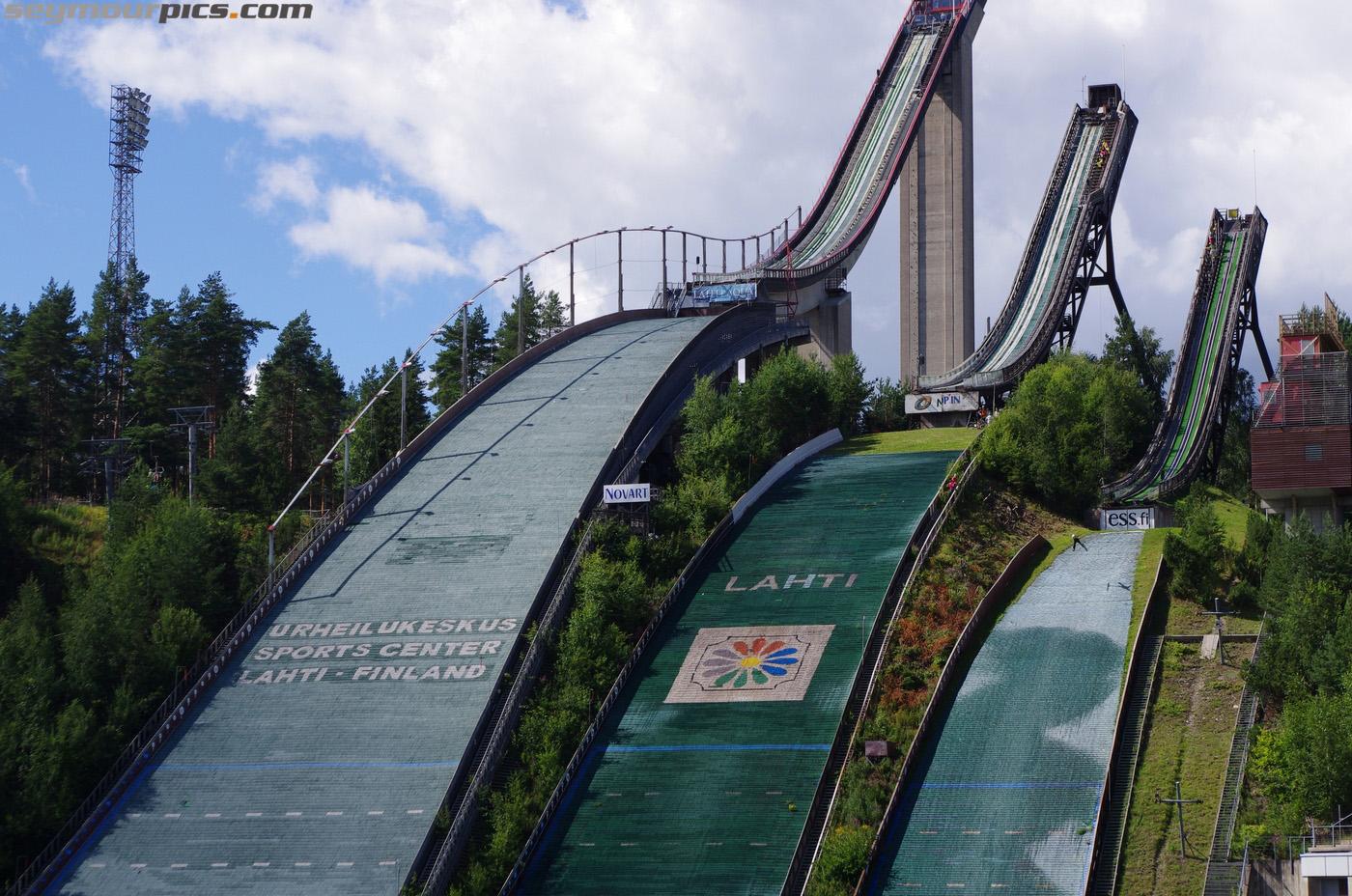 seymourpics-wallpaper-finland-lahti-skijumps_1400px.jpg