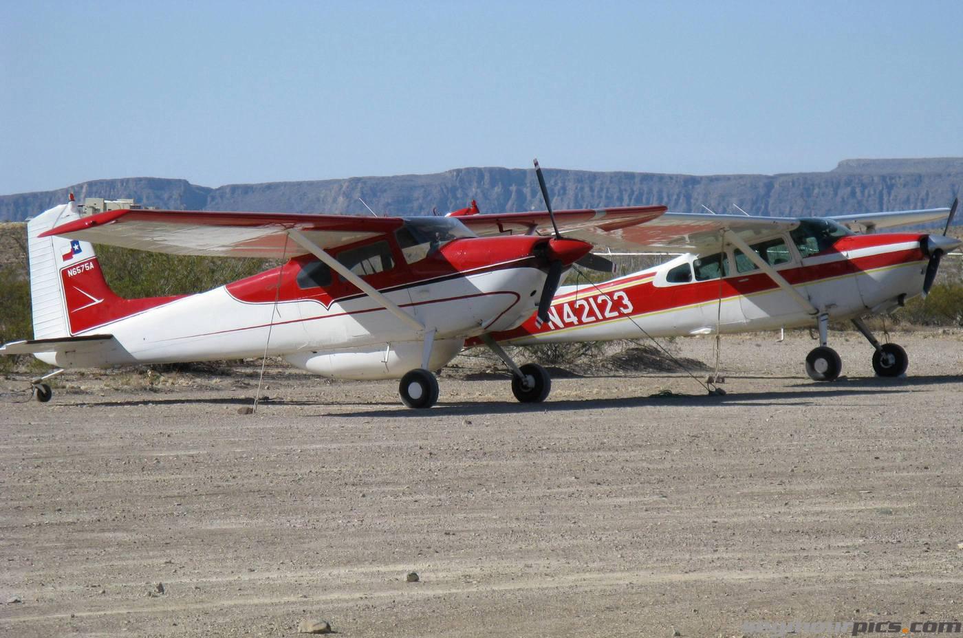 seymourpics-wallpaper-rio-grande-airplanes_1400px.jpg